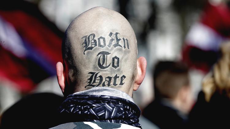 A Hitler le encantaría: Escalofriantes marchas nazis se exhiben en Europa