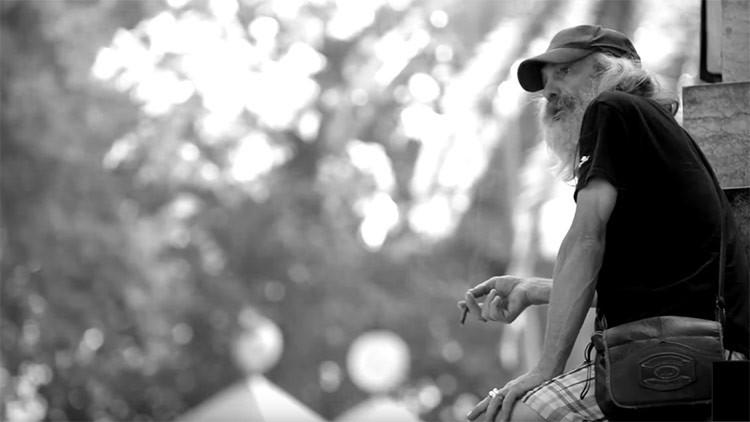 """""""No me van a reconocer, te lo aseguro"""": así se convirtió un vagabundo en un galán a la moda  (VIDEO)"""