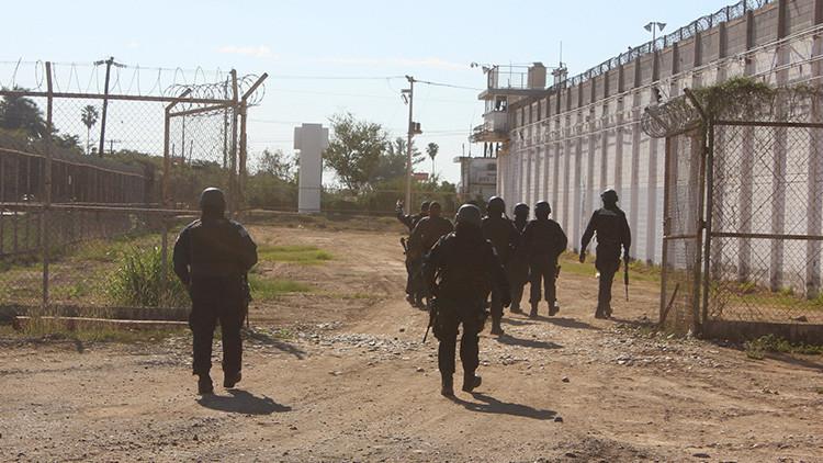 Desaparece jefe de custodios del penal mexicano del que se fugó 'El Negro'