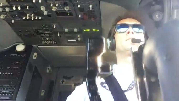 Piloto aterriza con su Boeing 737 en condiciones climáticas extremas (VIDEO)