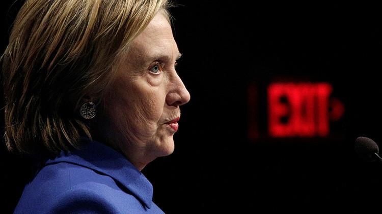 """¿El regreso de Hillary Clinton? La demócrata asegura que está """"lista para salir del bosque"""""""