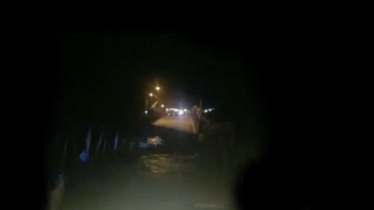 Perú: Colapso de puente vehicular tras las inundaciones deja incomunicado a Trujillo (FOTO Y VIDEOS)