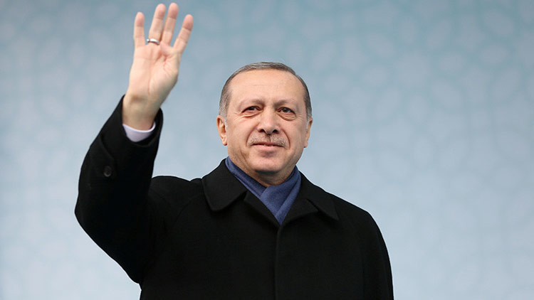 """Sin vacilar"": Erdogan promete reinstaurar la pena de muerte"
