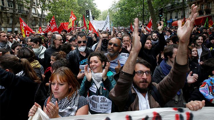Disturbios en París tras las protestas contra los abusos policiales y el racismo (VIDEO)