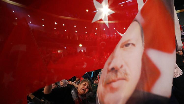 """""""¿Perdió la cabeza Erdogan?"""" Alemania ataca al presidente turco tras ser acusada de """"nazi"""""""