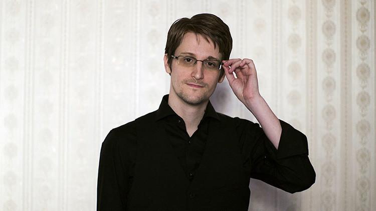 """""""Dejen de infringir la maldita ley"""": Snowden carga contra el FBI y la NSA"""
