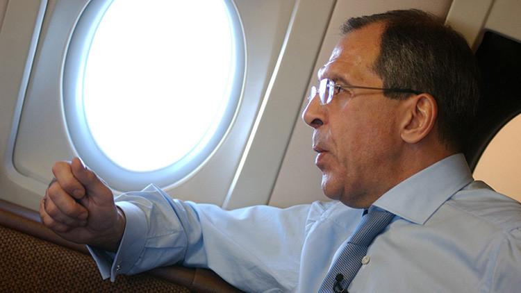 """Foto: Lavrov celebra un cumpleaños """"de altura"""" (como no lo ha visto nunca)"""