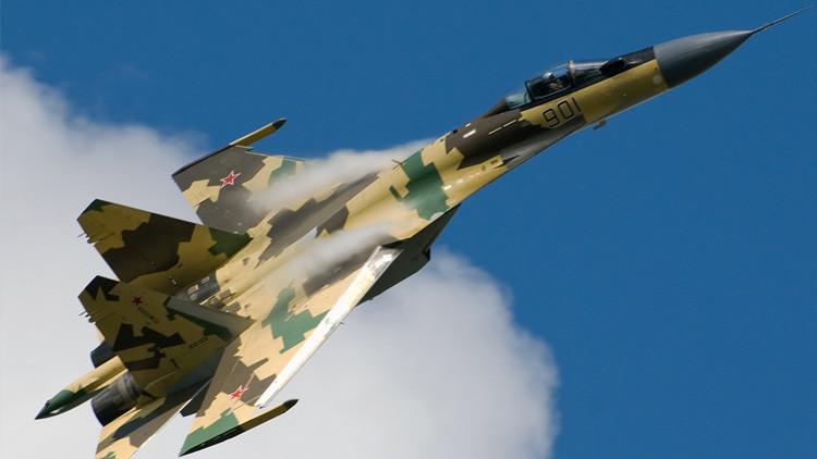 La entrega de cazas Su-35 y sistemas antiaéreos S-400 rusos a China preocupa a EE.UU.