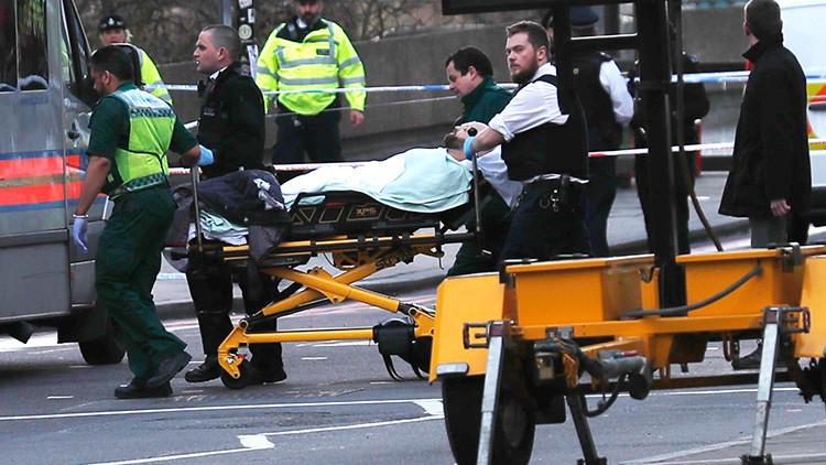 FOTOS: El heroico diputado que intentó reanimar a un policía herido en el atentado de Londres