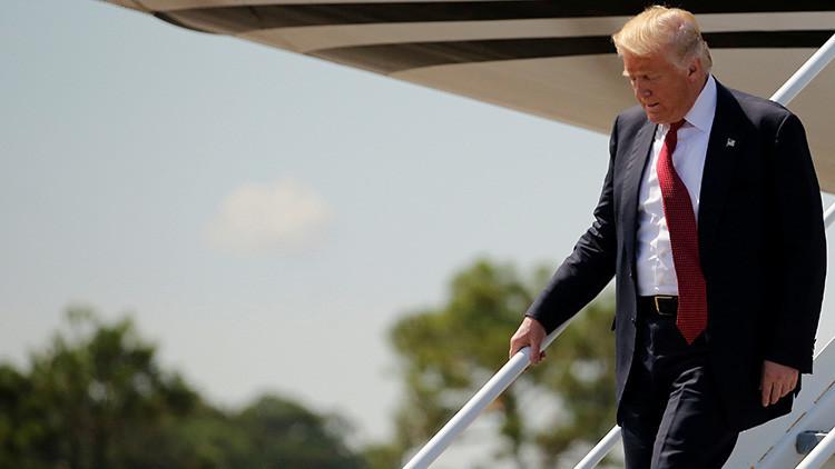 ¿Tiene Donald Trump miedo a las escaleras?