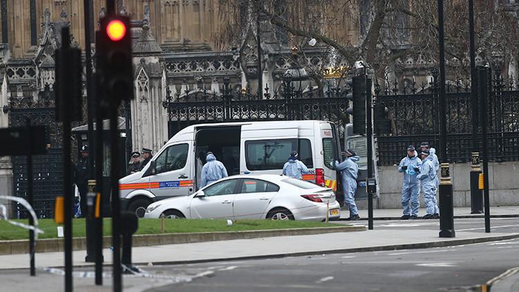 Reino Unido: La Policía explota de forma controlada un paquete sospechoso en Londres