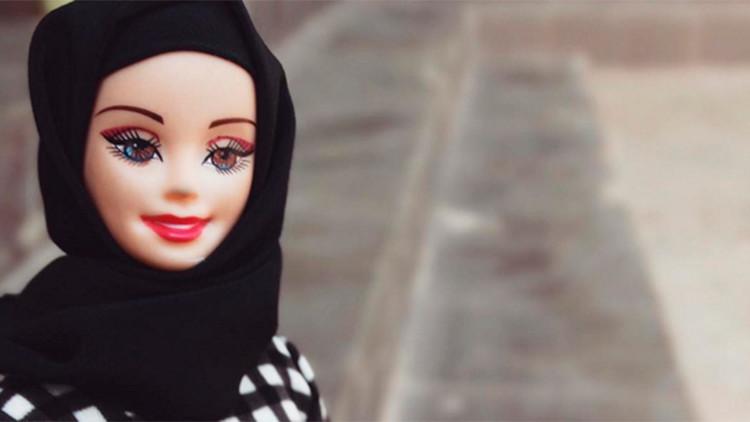 Tres mujeres de EE.UU. diseñan velos musulmanes para las muñecas Barbie