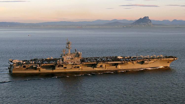"Barcos iraníes ""hostigan"" a buques de guerra de EE.UU. en el estrecho de Ormuz"