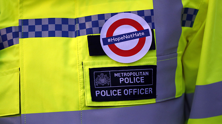 La historia de la foto de una musulmana junto a una víctima del atentado de Londres