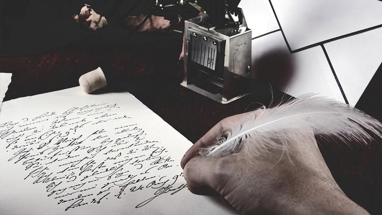 """Hay amor después de la muerte: Un viudo lleva 23 años escribiendo cartas a su """"Elenita"""" fallecida"""