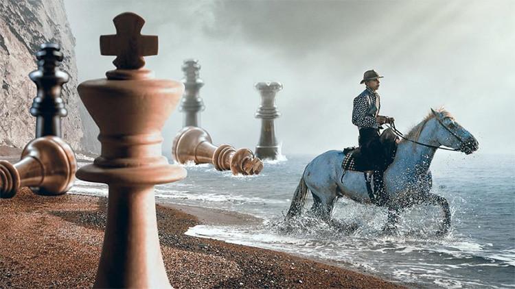 Imágenes de ensueño: Fantasía y realidad se mezclan en la mirada 'imposible' de este artista turco