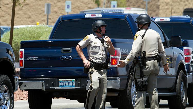 EE.UU.: Un hombre armado mata a una persona y se atrinchera en un autobús en Las Vegas