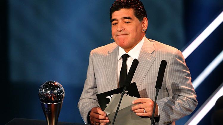 Maradona renuncia a su cargo de embajador de la FIFA