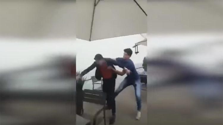 Un grupo de jóvenes da golpizas sin motivo en la Ciudad de México (Video)