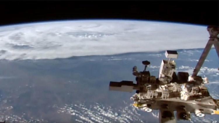La EEI capta el inmenso ciclón Debbie acercándose a Australia a gran velocidad (video)