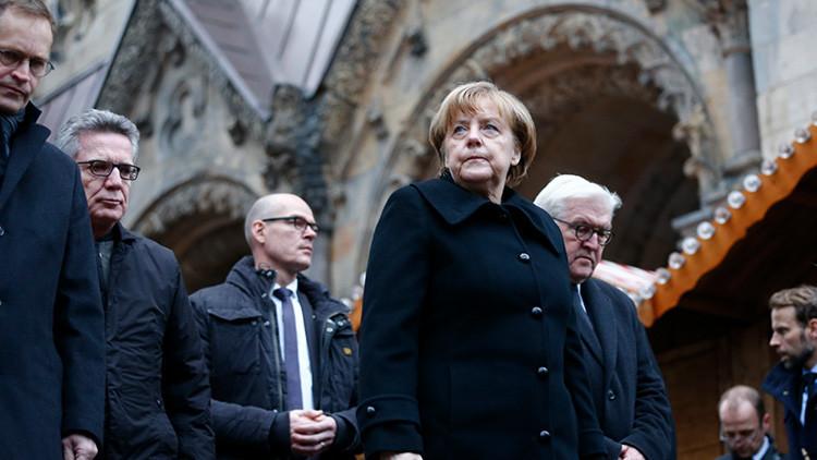 Politólogo enumera los tres principales errores de Merkel que afectan toda la UE