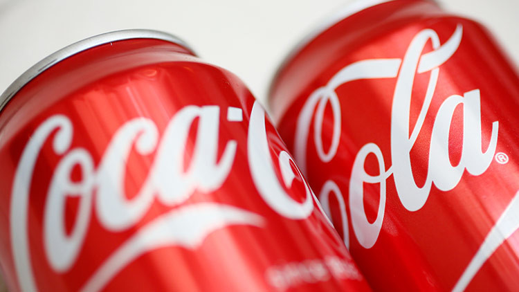 Coca-Cola llama a la Policía tras encontrar desechos humanos en latas