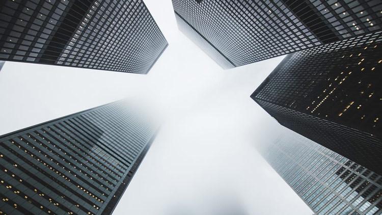 Prepare el paracaídas: arquitectos de EE.UU. construirán un rascacielos colgado de un asteroide