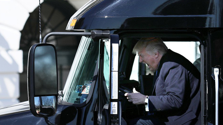 'El arte del fracaso': ¿Por qué Trump ha perdido su primera batalla legislativa?