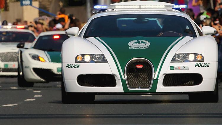 Insólito: Un policía de Dubái que se multó a sí mismo se convierte en héroe nacional