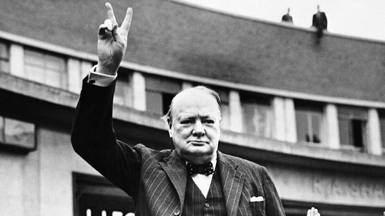 """""""Churchill tiene las manos igual de manchadas de sangre que Hitler"""""""