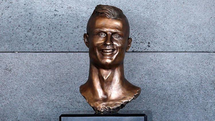 """""""Incluso Jesús no agradaba a todos"""": El polémico busto de Ronaldo lo hizo un exlimpiador en 15 días"""