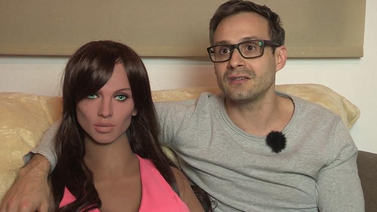 """""""No es sólo una vagina"""": hablamos con el creador de Samantha, la robot capaz de tener orgasmos"""