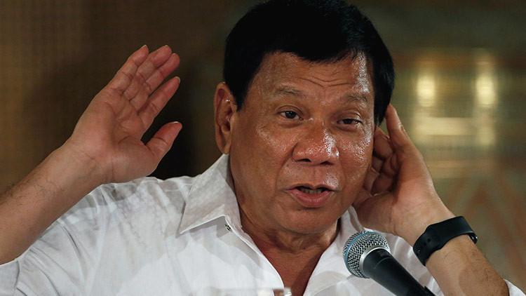 """""""Periodistas hijos de puta"""": Duterte arremete contra los medios y la Iglesia católica"""