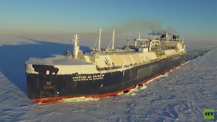 VIDEO: Así luce en el Ártico el primer rompehielos gasero del mundo
