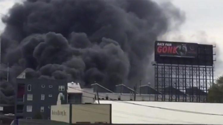 Una autopista elevada de Atlanta, EE.UU., colapsa tras un enorme incendio (FOTOS, VIDEO)