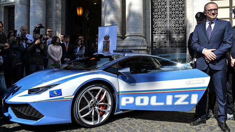 Así es el superdeportivo de lujo con el que la Policía italiana salvará vidas (fotos)