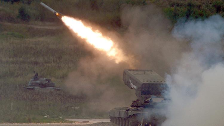 Asolador ataque de los sistemas lanzallamas Solntsepiok contra el EI en Siria e Irak (VIDEOS)