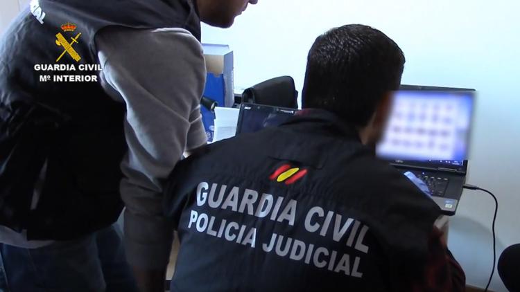 Golpe a la pornografía infantil en España: 102 detenidos y 450.000 archivos de contenido explícito