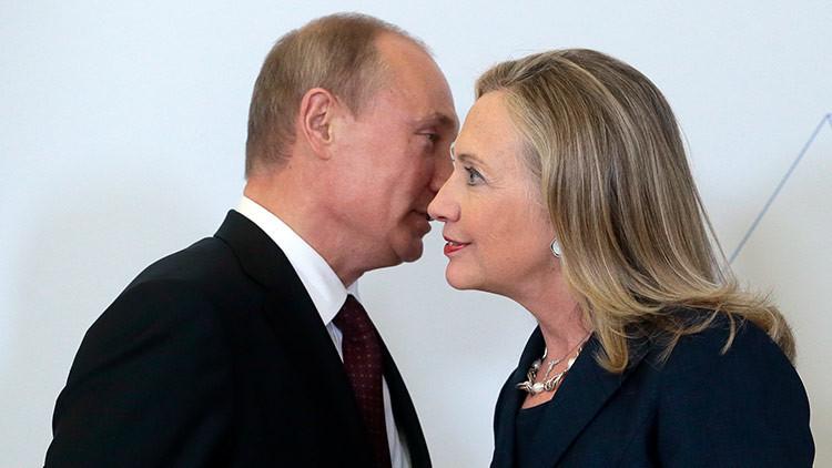 La Casa Blanca insta a investigar los lazos de Hillary Clinton con Rusia