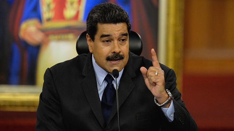 """Maduro convoca al Consejo de Defensa de la Nación para """"resolver impasse"""" entre Fiscalía y Tribunal"""