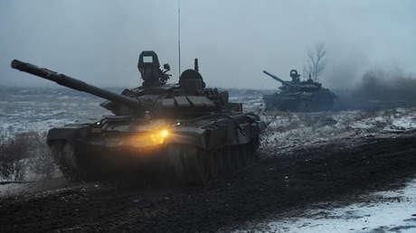 Dos tanques rusos T-72B3.