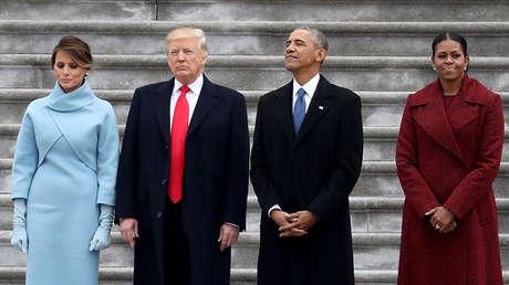 El presidente de EE.UU., Donald Trump, y su predecesor, Barack Obama, acompañados de sus esposas, en Washington.