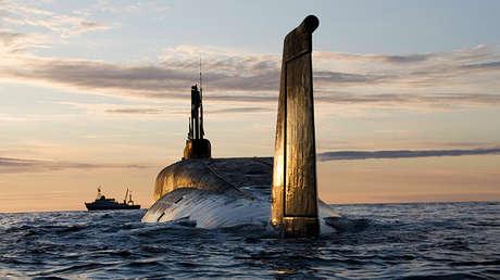El submarino nuclear ruso Yuri Dolgoruki durante un ensayo el 22 de septiembre de 2009.