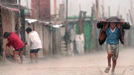 Las fuertes lluvias han azotado las costas de Perú y Ecuador