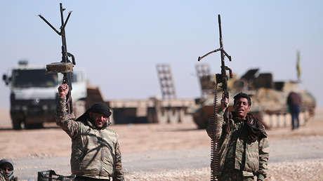 Milicianos de las Fuerzas Democráticas Sirias al norte de Al Raqa. 3 de febrero de 2017.