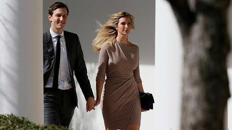 El asesor de la Casa Blanca, Jared Kushner, y su esposa, Ivanka Trump, en Washington, EE.UU., el 10 de febrero de 2017.