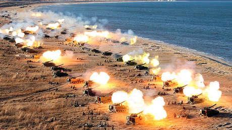 Ejercicios militares de artillería de Corea del Norte