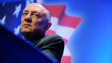 James Woolsey, exdirector de la CIA