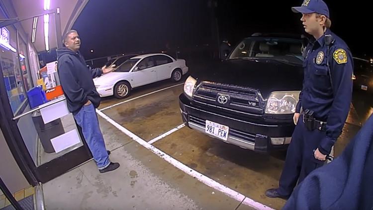 Policía estadounidense mata a un hispano con 16 disparos a quemarropa (FUERTES VIDEOS)
