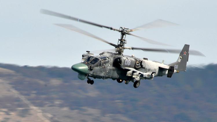 Video: Helicópteros rusos Ka-52 destruyen tanques y fortificaciones de los terroristas en Siria